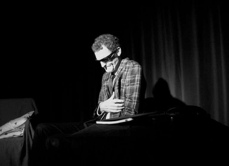 Parte 2. Fritz Perls, el creador de la terapia Gestalt y su contacto con el teatro