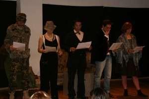"""""""Vistiendo el personaje"""" Formacion Teatro y Gestalt 2013"""